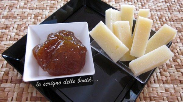 FINGER FOOD ALL'ITALIANA :marmellata di pomodori verdi e formaggio