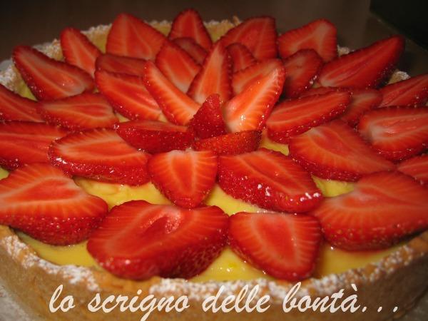 Crostata Con Crema E Fragole Fresche Con La Pasta Frolla Di Montersino