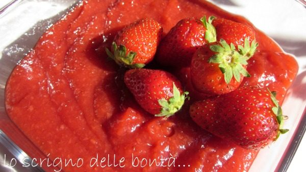 CREMA DI FRAGOLE FRESCHE…ovvero strawberry curd