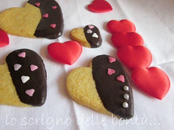 BISCOTTI DI PASTA FROLLA ALL'ARANCIO….versione romantica per San Valentino
