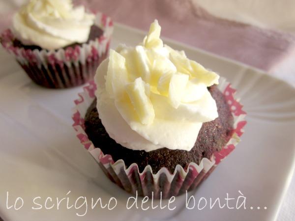 cupcake al cacao e cioccolato bianco 2