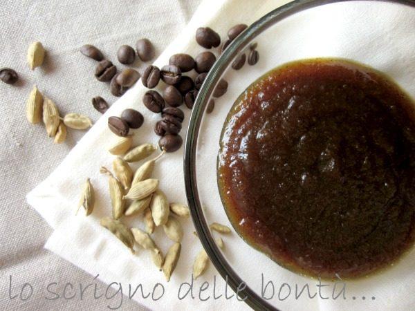 MARMELLATA DI MELE AL CAFFE' E CARDAMOMO