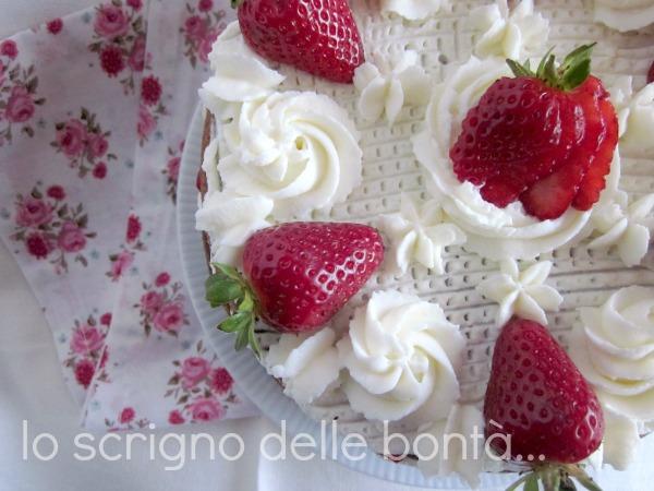 torta fragole e panna 2