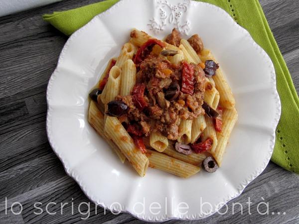 pasta con sugo strascinati olive e pomodori secchi 2