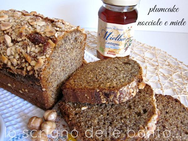 plumcake-nocciole-e-miele-1