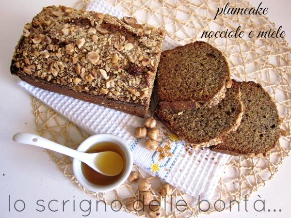 plumcake-nocciole-e-miele-2